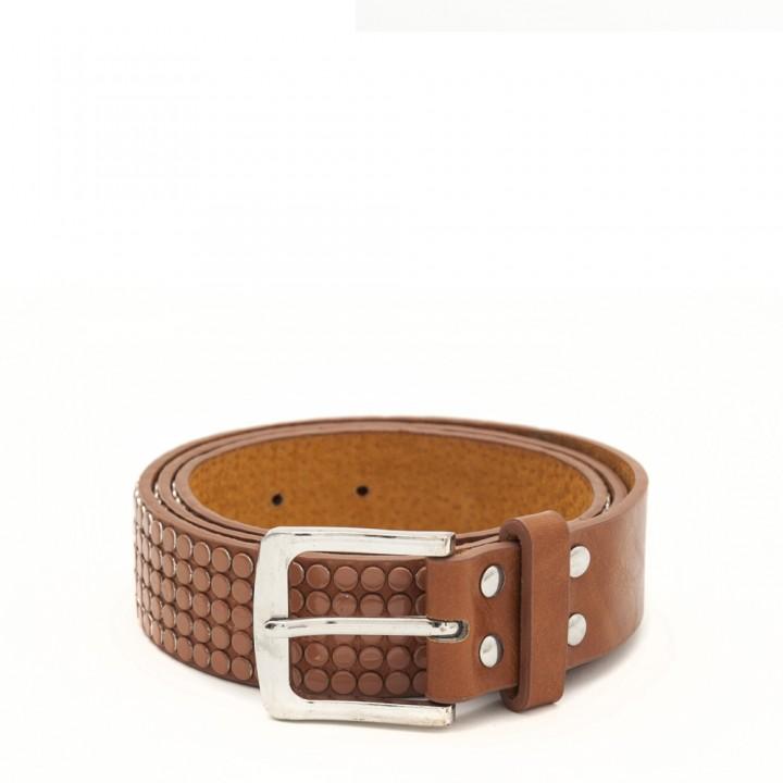 Cinturón con tachas suela