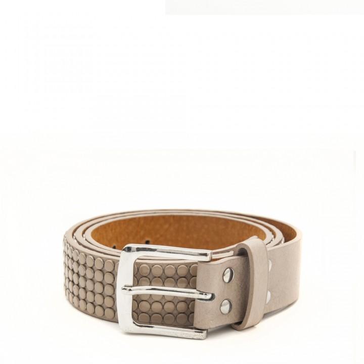 Cinturón con tachas beige