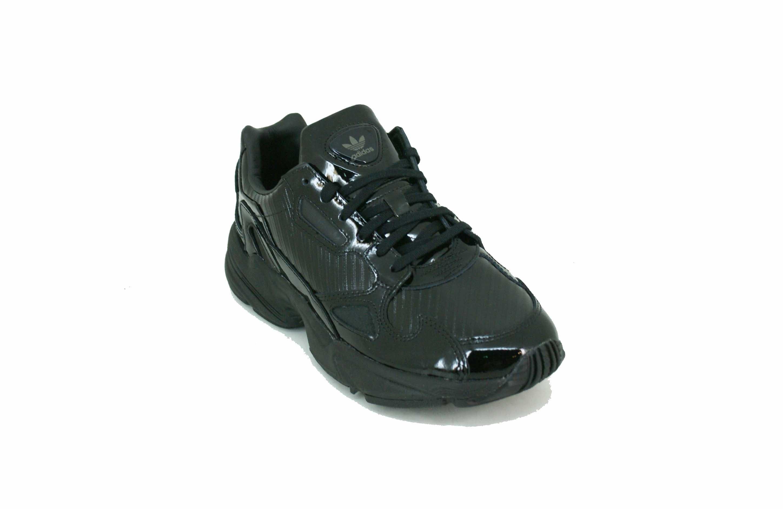555ac5e6 Zapatilla Adidas Originals Falcon Negro Charol Dama Deporfan ...